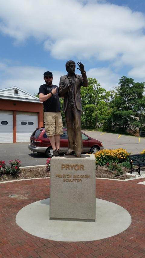 2015.07.12 - Peoria IL - Richard Pryor statue 02